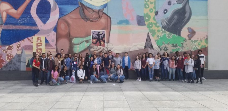 As+part+of+the+11th+grade+Humanities+curriculum%2C+students+attend+a+field+trip+to+NYC+to+visit+the+Apollo+Theater+and+the+Tenement+Museum.